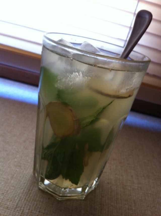 Lemon, ginger, mint and honey refresher